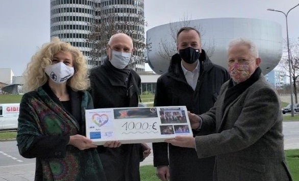 Spendenübergabe von Helping Hands Staff of BMW Group an Helfende Hände e.V.