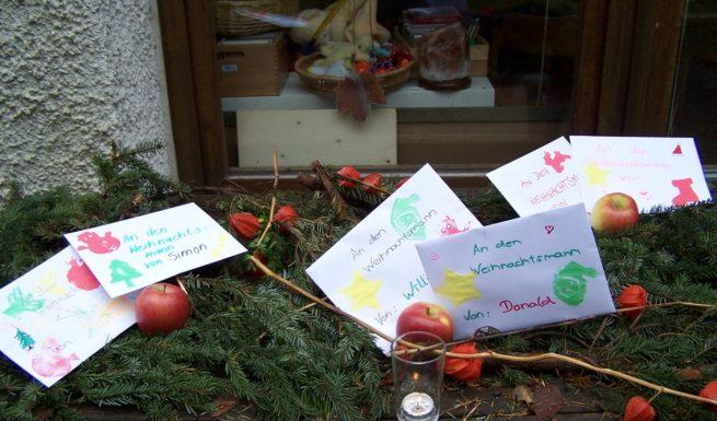 Briefe an den Weihnachtsmann von den Schülern und Schülerinnen aus dem Helfende-Hände-Förderzentrum